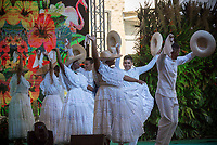 CALI - COLOMBIA. 18-08-2018: Un grupo de danza del Pacífico en su presentación durante el quinto día del XXIII Festival de Música del Pacífico Petronio Alvarez 2019 el festival cultural afro más importante de Latinoamérica y se lleva acabo entre el 14 y el 19 de agosto de 2019 en la ciudad de Cali. / A Pacific Dance group on its performance during fifth day of the XXII Pacific Music Festival Petronio Alvarez 2019 that is the most important afro descendant cultural festival of Latin America and takes place between August 14 and 19, 2019, in Cali city. Photo: VizzorImage/ Gabriel Aponte / Staff