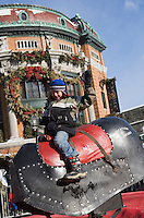 Amérique/Amérique du Nord/Canada/Québec/ Québec: Rodéo sur un cheval mécanique, devant Le Capitole Théatre  dans la Ville Haute lors du Carnaval