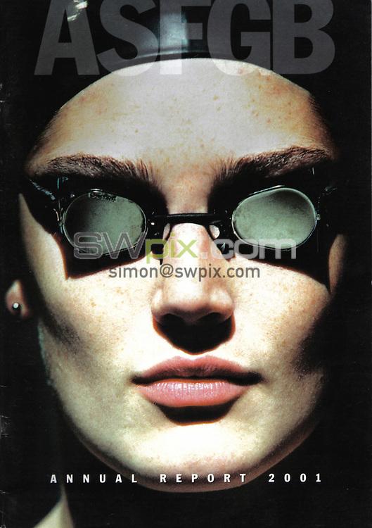 Pix by SWpix.com.....Archive Magazine Usage, 27.1.06..Picture Copyright >> Simon Wilkinson >> 07811267706>>..Front cover Swimming Annual Report 2001 Cover shot of Georgina Lee
