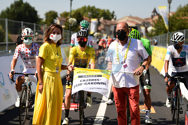 Carole Delga Presidente de la region Occitanie and Michel Oliva Maire de Cazeres-sur-Garonne ready to start Stage 8 of Tour de France 2020, running 141km from Cazeres-sur-Garonne to Loudenvielle, France. 5th September 2020.<br /> Picture: ASO/Pauline Ballet | Cyclefile<br /> All photos usage must carry mandatory copyright credit (© Cyclefile | ASO/Pauline Ballet)