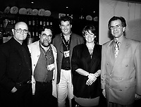ID : pr_000831A_05<br /> De G ‡ Droite:<br /> S Losique ;  PDG du FFM<br /> Silvio Caiozzi, rÈalisation Chilien ``Coronacion `` CO<br /> Luis Vera ;  realisateur Chilien `` Batard du paradis ``<br /> M Letellier ;  ambassadeur Chilien ‡ Ottawa et son Èpouse<br /> RÈception des Chiliens au restaurant  Buonna Notte , le 31 aoUt 2000<br /> MENTION OBLIGATOIRE :  © Pierre Roussel, 2000