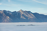 Planken, Nebelmeer über dem Rheintal, sea of fog over Rhine-valley, Liechtenstein.<br /> Foto: Paul J. Trummer
