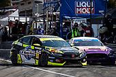 #77 LA Honda World Racing Honda Civic TCR, TCR: Taylor Hagler, Ryan Eversley, pit stop