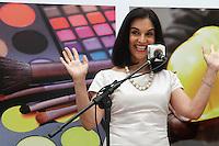 SAO PAULO, SP, 17 JANEIRO 2013 - AGENDA LU ALCKMIN - A presidente do Fundo Social de Solidariedade do Estado de São Paulo (FUSSESP), Lu Alckmin, recebe os alunos da 9ª turma da Escola de Qualificação Profissional para a aula inaugural das Escolas de Moda, Beleza e Construção Civil do Parque da Água Branca. A cerimônia aconteceu na manhã dessa quinta-feira, 17, bairro de Perdizes, zona oeste da capital -  FOTO: LOLA OLIVEIRA - BRAZIL PHOTO PRESS