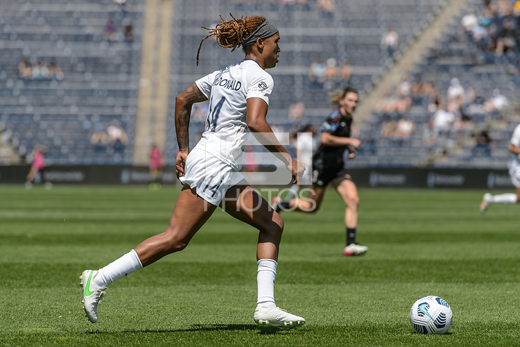BRIDGEVIEW, IL - JUNE 5: Jessica McDonald #14 of the North Carolina Courage dribbles the ball during a game between North Carolina Courage and Chicago Red Stars at SeatGeek Stadium on June 5, 2021 in Bridgeview, Illinois.