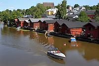 Porvoonjoki river e gli antichi magazzini di legno.<br /> Il fiume Porvoonjoki.<br /> Porvoo Borgå è un'antica città medievale dichiarata dall'UNESCO patrimonio dell'umanità.<br /> Porvoo Borgå is an old medieval town, UNESCO World Heritage Site.
