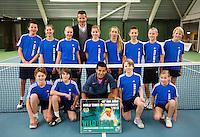 20-01-13, Tennis, Rotterdam, Wildcard for qualification ABNAMROWTT,  Fabian van der Lans wint wildcard en poseert tussen de ballenkinderen met Richard Krajicek.