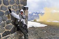 """- mountain troops ìHunters of the Alpsî during military exercises in High Savoia ....- truppe di montagna """"Cacciatori delle Alpi"""" durante esercitazioni militari in Alta Savoia"""