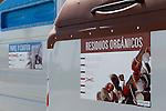 Viana.Navarra.Espana.Viana.Navarra.Spain.Contenedores de recogida selectiva de basuras. Azul, papel. Marron, residuos organicos..Containers of garbage collection. Blue, paper. Brown, organic waste..(ALTERPHOTOS/Alfaqui/Acero)