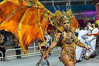 SÃO PAULO, SP, 09.03.2019 - CARNAVAL-SP - Simone Sampaio, rainha de bateria da escola de samba Dragões da Real durante Desfile das campeãs do Carnaval de São Paulo, no Sambódromo do Anhembi em Sao Paulo, na madrugada deste sábado, 09. (Foto: Anderson Lira/Brazil Photo Press)