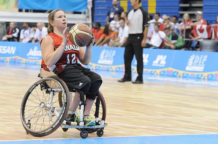 Tracey Ferguson, Guadalajara 2011 - Wheelchair Basketball // Basketball en fauteuil roulant.<br /> Team Canada takes on Team USA in the Gold Medal Game // Équipe Canada affronte Équipe États-Unis dans le match pour la médaille d'or. 11/18/2011.