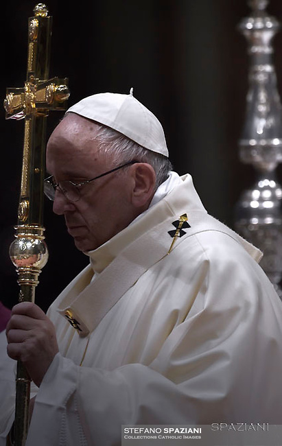 Pope Francis uses incense to venerate an image of Our Lady of Guadalupe during Mass marking the feast of Our Lady of Guadalupe in St. Peter's Basilica at the Vatican 12.december 2016