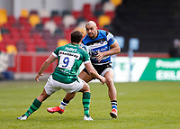 27th March 2021; Brentford Community Stadium, London, England; Gallagher Premiership Rugby, London Irish versus Bath; Johnathan Joseph of Bath is marked by Nick Phipps of London Irish