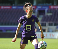 Tessa Wullaert (27) of Anderlecht in action during a female soccer game between RSC Anderlecht Dames and Standard Femina de Liege on the sixth matchday of the 2021 - 2022 season of Belgian Womens Super League , Saturday 9 th of October 2021  in Brussels , Belgium . PHOTO SPORTPIX | SEVIL OKTEM