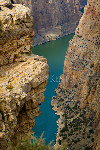 The steep cliffs of Bighorn Canyon above Yellowtail Dam The Bighorn River winds through rock canyon walls in montana