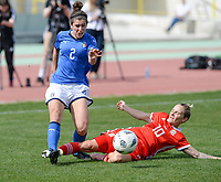 20180302 - LARNACA , CYPRUS : Italian Valentina Bergamaschi  pictured being tackled by Welsh Jessica Fishlock during a women's soccer game between Italy and Wales , on friday 2 March 2018 at GSZ Stadium in Larnaca , Cyprus . This is the second game in group A for Italy and Wales during the Cyprus Womens Cup , a prestigious women soccer tournament as a preparation on the World Cup 2019 qualification duels. PHOTO SPORTPIX.BE | DAVID CATRY