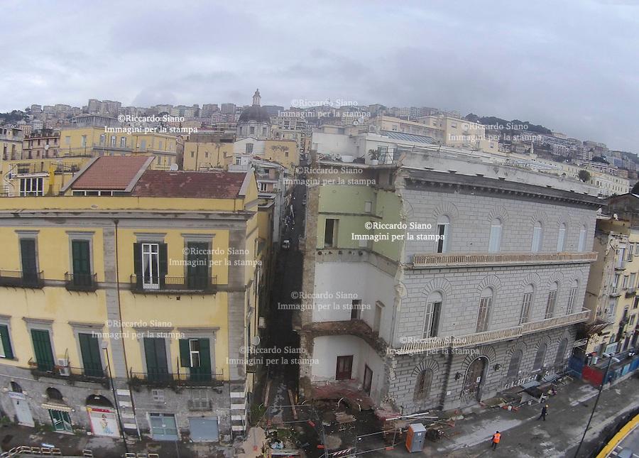 - NAPOLI  3 FEB    2014 - Lavori  Palazzo crollato Riviera di Chiaia