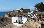Spain, Canary Island, Lanzarote, bei Playa Blanca: Cafe and restaurant above Playa del Papagayo | Spanien, Kanarische Inseln, Lanzarote, bei Playa Blanca: Restaurant und Cafe am Playa del Papagayo