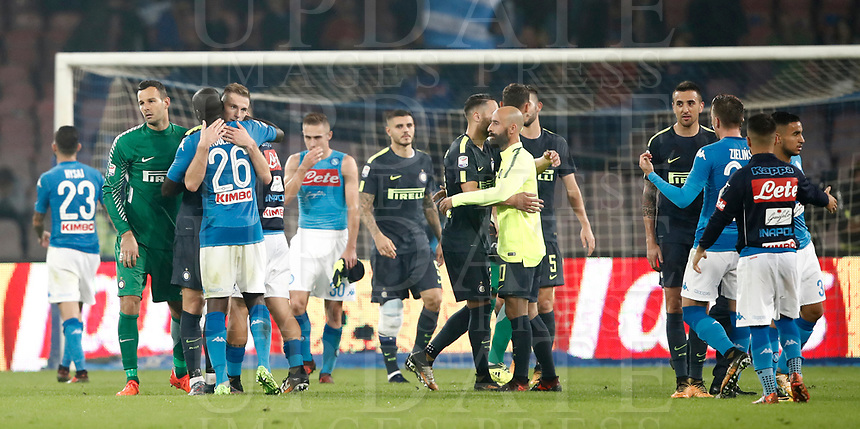 Calcio, Serie A: Napoli, stadio San Paolo, 21 ottobre 2017.<br /> Inter's and Napoli's players greets at the end of the Italian Serie A football match between Napoli and Inter at Napoli's San Paolo stadium, October 21, 2017.<br /> UPDATE IMAGES PRESS/Isabella Bonotto