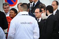 Visite du PrÈsident de la RÈpublique FranÁois Hollande dans la commune de Vaulx-en-velin sur le thËme de la politique de la ville. PrÈsentation de l'Ècole du Futur RenÈ Beauverie en prÈsence d'HÈlËne Geoffroy, secrÈtaire d'Ètat ‡ la ville.