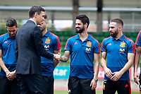 The President of the Government of Spain Pedro Sanchez (l) with Isco Alarcon during the visit to the national soccer team training session. June 5,2018.(ALTERPHOTOS/Acero) /NortePhoto.com NORTEPHOTOMEXICO