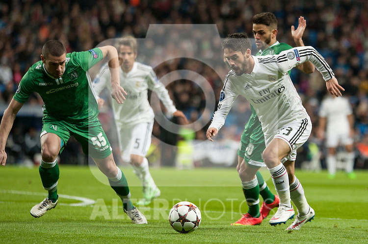 Isco of Real Madrid and Terziev of Ludogorets during Champions League match between Real Madrid and Ludogorets at Santiago Bernabeu Stadium in Madrid, Spain. December 09, 2014. (ALTERPHOTOS/Luis Fernandez)