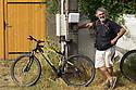 Le Palais Belle Ile - Bretagna, 12 agosto 2020. Antonio Mannu ciclista (foto Peter Forbes).