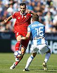 CD Leganes' Robert Ibanez (r) and Sevilla FC's Vicente Iborra during La Liga match. October 15,2016. (ALTERPHOTOS/Acero)