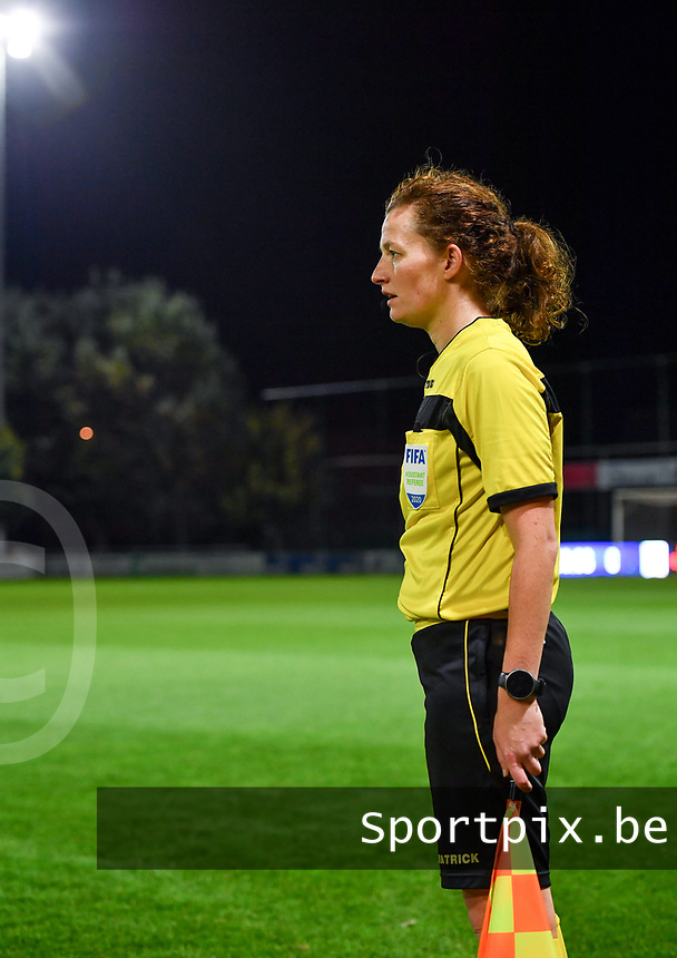 assistant referee Joline Delcroix pictured during a female soccer game between  AA Gent Ladies and Sporting Charleroi Feminin on the fifth matchday of the 2020 - 2021 season of Belgian Scooore Womens Super League , friday 16 th of October 2020  in Oostakker , Belgium . PHOTO SPORTPIX.BE | SPP | DAVID CATRY