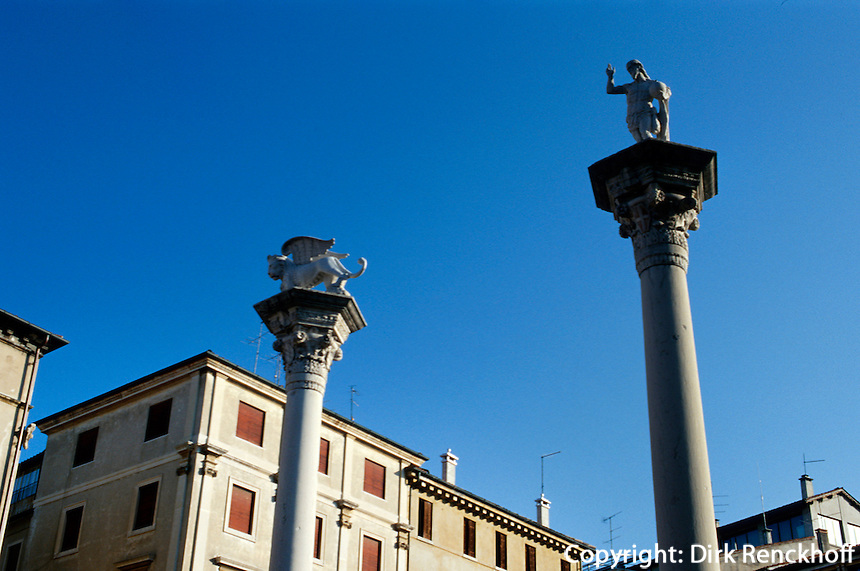 Säulen mit Redentore + Markuslöwe, Piazza dei Signorie, Vicenza,  Venetien, Italien, Unesco-Weltkulturerbe