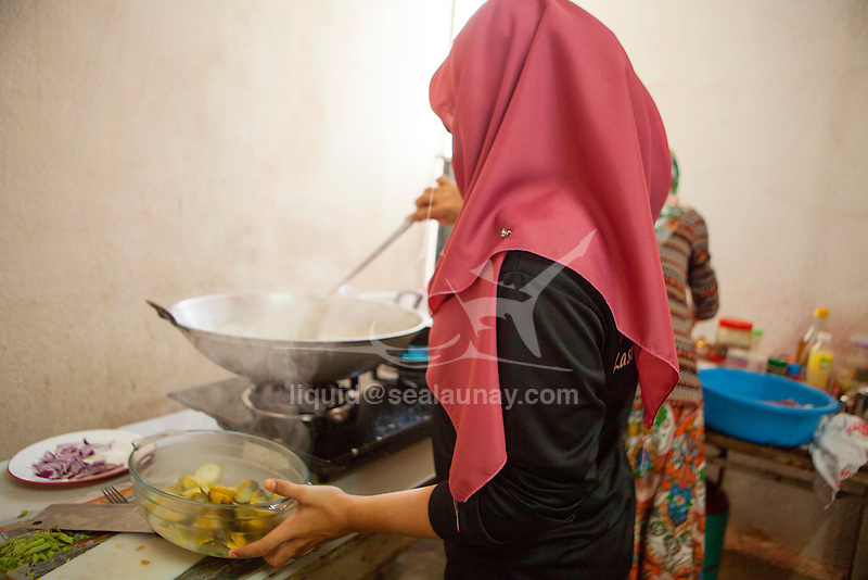 ISAF Emerging Nations Program, Langkawi, Malaysia. A day in the life of Khairunhanna Bt Mohd Afendy and her family.<br />(420, Sail Number: MAS 53995)