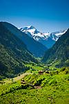 Oesterreich, Salzburger Land, im Pinzgau bei Uttendorf: Blick ins Stubachtal vor den Hohen Tauern | Austria, Salzburger Land, region Pinzgau, near Uttendorf: view into Stubach Valley with High Tauern mountains