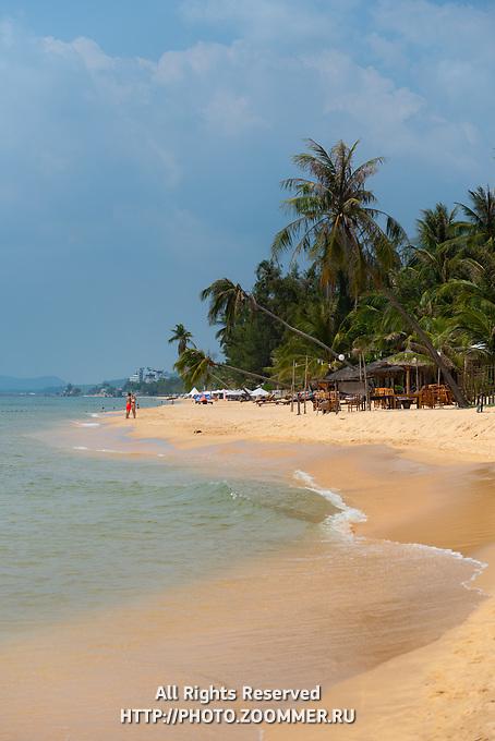 Beautiful sand shore of Long Beach, Phu Quoc, Vietnam