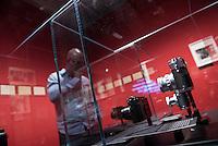 """Ausstellung """"Augen auf - 100 Jahre Jeica Fotografie"""" in der Galerie C/O Berlin.<br /> Vom 22. August bis 1. November 2015 zeigt die Berliner Galerie C/O Berlin Fotos und Ausstellungsstuecke zum Thema 100 Jahre Leica Fotografie.<br /> Die Ausstellung will die kunst- und kulturgeschichtliche Perspektive der Leica-Kameras zeigen und wie sich das fotografische Sehen im 20. Jahrhundert durch sie veraendert hat.<br /> Ausgestellt wird u.a. die ersten Leica-Kamera, die 1914 vom Feinmechaniker und Hobbyfotografen Oskar Barnack entwickelt wurde und bekannte und unbekannte Fotografien von Robert Capa, Rene Burri oder auch Henri Cartier-Bresson.<br /> 21.8.2015, Berlin<br /> Copyright: Christian-Ditsch.de<br /> [Inhaltsveraendernde Manipulation des Fotos nur nach ausdruecklicher Genehmigung des Fotografen. Vereinbarungen ueber Abtretung von Persoenlichkeitsrechten/Model Release der abgebildeten Person/Personen liegen nicht vor. NO MODEL RELEASE! Nur fuer Redaktionelle Zwecke. Don't publish without copyright Christian-Ditsch.de, Veroeffentlichung nur mit Fotografennennung, sowie gegen Honorar, MwSt. und Beleg. Konto: I N G - D i B a, IBAN DE58500105175400192269, BIC INGDDEFFXXX, Kontakt: post@christian-ditsch.de<br /> Bei der Bearbeitung der Dateiinformationen darf die Urheberkennzeichnung in den EXIF- und  IPTC-Daten nicht entfernt werden, diese sind in digitalen Medien nach §95c UrhG rechtlich geschuetzt. Der Urhebervermerk wird gemaess §13 UrhG verlangt.]"""