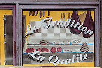 France, Midi-Pyrénées, Tarn-et-Garonne, (82), Caylus:  Devanture d'un charcutier     // France, Midi Pyrenees, Tarn et Garonne, Caylus: Front of a butcher