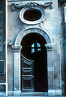 Sir Christopher Wren: St. Stephen Walbrook, London. Detail of door, entry. Photo '90.