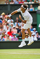 England, London, Juli 02, 2015, Tennis, Wimbledon,  Roger Federer (SUE) in is match against Sam Querrey (USA)<br /> Photo: Tennisimages/Henk Koster