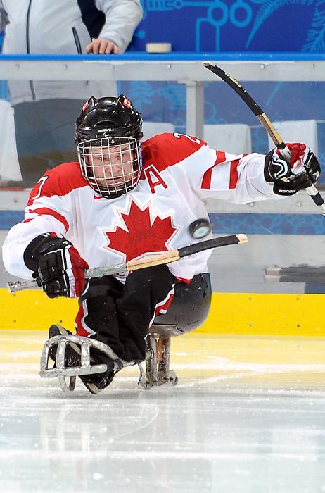 Brad Bowden, Vancouver 2010 - Para Ice Hockey // Para-hockey sure glace.<br /> Team Canada plays in Para Ice Hockey action // Équipe Canada jouer dans un match de para-hockey sur glace. 16/03/2010.