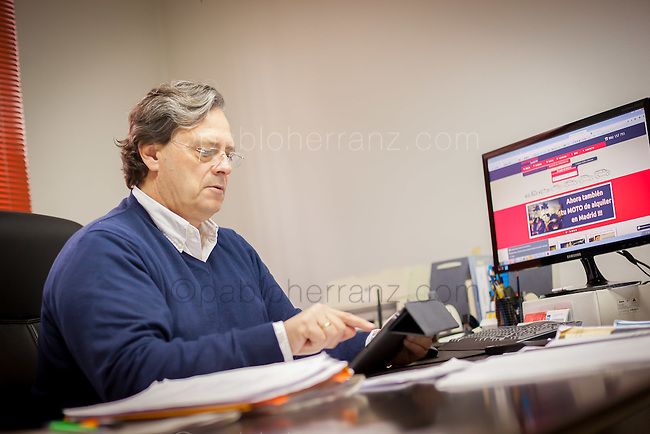 "Sesión de fotos con David Pérez-Tomé de ""Daperton"" en sus oficinas de Madrid, para Mother Tongue/Google."
