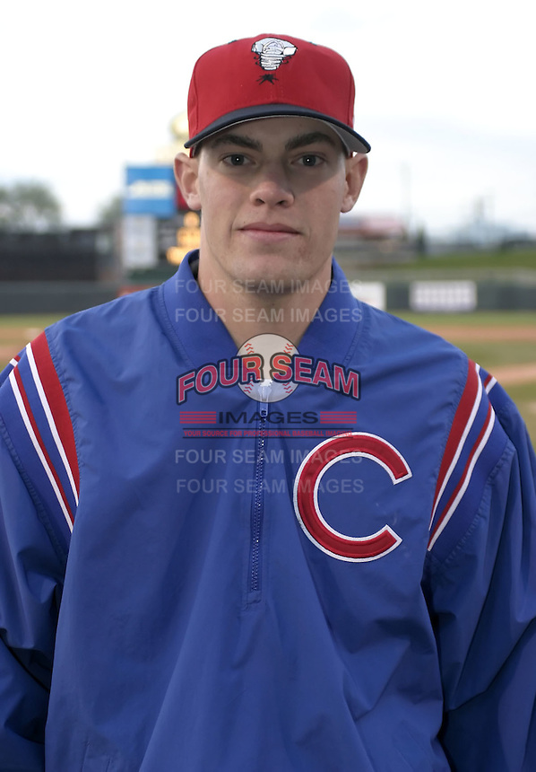 April 21, 2004:  Pitcher Sean Marshall of the Lansing Lugnuts, Low-A Midwest League affiliate of the Chicago Cubs, during a game at Oldsmobile Park in Lansing, MI.  Photo by:  Mike Janes/Four Seam Images