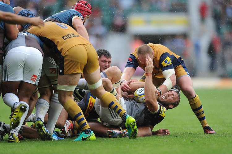 Chris Robshaw of Harlequins fights to retain the ball during the Aviva Premiership Rugby match between Harlequins and Bristol Rugby at Twickenham Stadium on Saturday 03 September 2016 (Photo by Rob Munro/Stewart Communications)