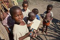 - childrens in Tica refugees camp....- bambini nel campo profughi di Tica