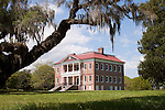Drayton Hall Plantation house, one of the only left standing after the civil war. Near Charleston South Carolina