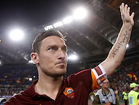 Calcio, Serie A: Roma vs Palermo. Roma, stadio Olimpico, 31 maggio 2015.<br /> Roma's Francesco Totti waves to fans at the end of the Italian Serie A football match between Roma and Palermo at Rome's Olympic stadium, 31 May 2015.<br /> UPDATE IMAGES PRESS/Isabella Bonotto
