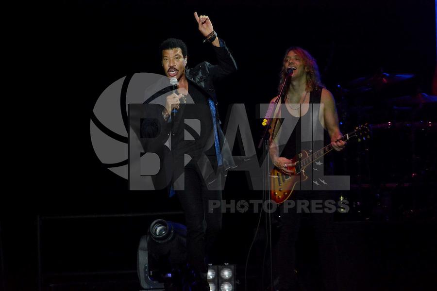 RIO DE JANEIRO, RJ, 09.03.2016 - SHOW-RJ - <br /> Show do cantor norte-americano Lionel Richie no HSBC Arena, na Barra da Tijuca, região oeste do Rio de Janeiro, na noite de ontem terça-feira, 09. (Foto: Jorge Hely/Brazil Photo Press)
