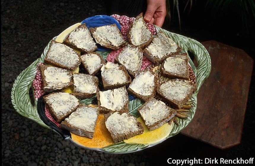 Spanien, Kanarische Inseln, La Palma, Pueblo-Park in Los Llanos de Aridane, Brot aus Gofio (geröstetem Mehl)