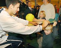 20-2-07,Tennis,Netherlands,Rotterdam,ABNAMROWTT, Autographs with Jokovic