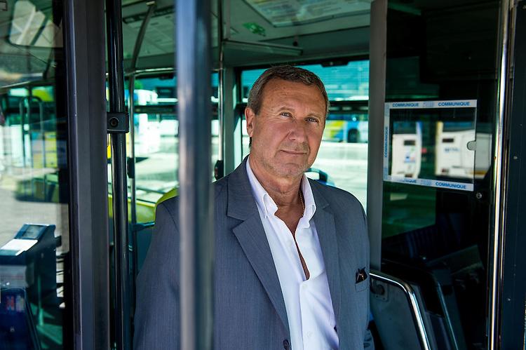 Patrick MANZON (Chef des lignes 2 et 4) - Images personnel et matériel RTM - Régie des Transports Marseillais - Marseille