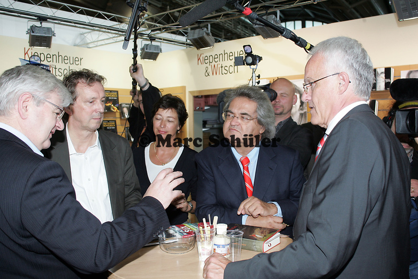 Gesprächsrunder mit Joschka Fischer, Focus Herausgeber Helmuth Markwart und Minister Jürgen Rütgers