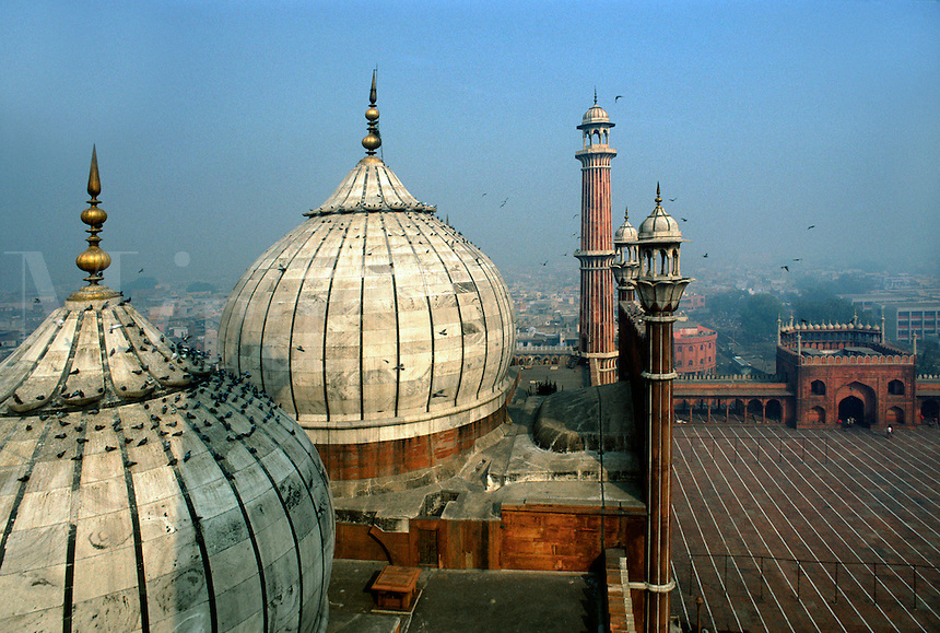 The DOMED ROOFS and MINARET TOWERS of the JAMA MASJID MOSQUE, the largest mosque in India - DELHI, INDIA